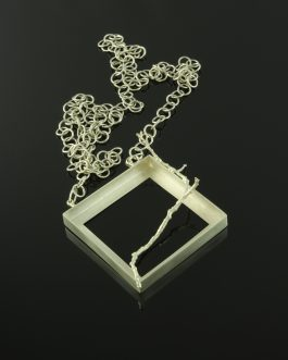 Collection Passages: Frame necklace